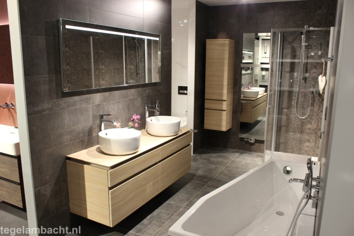 Badkamer verbouwen Almere? Tegel Ambacht kan u helpen!