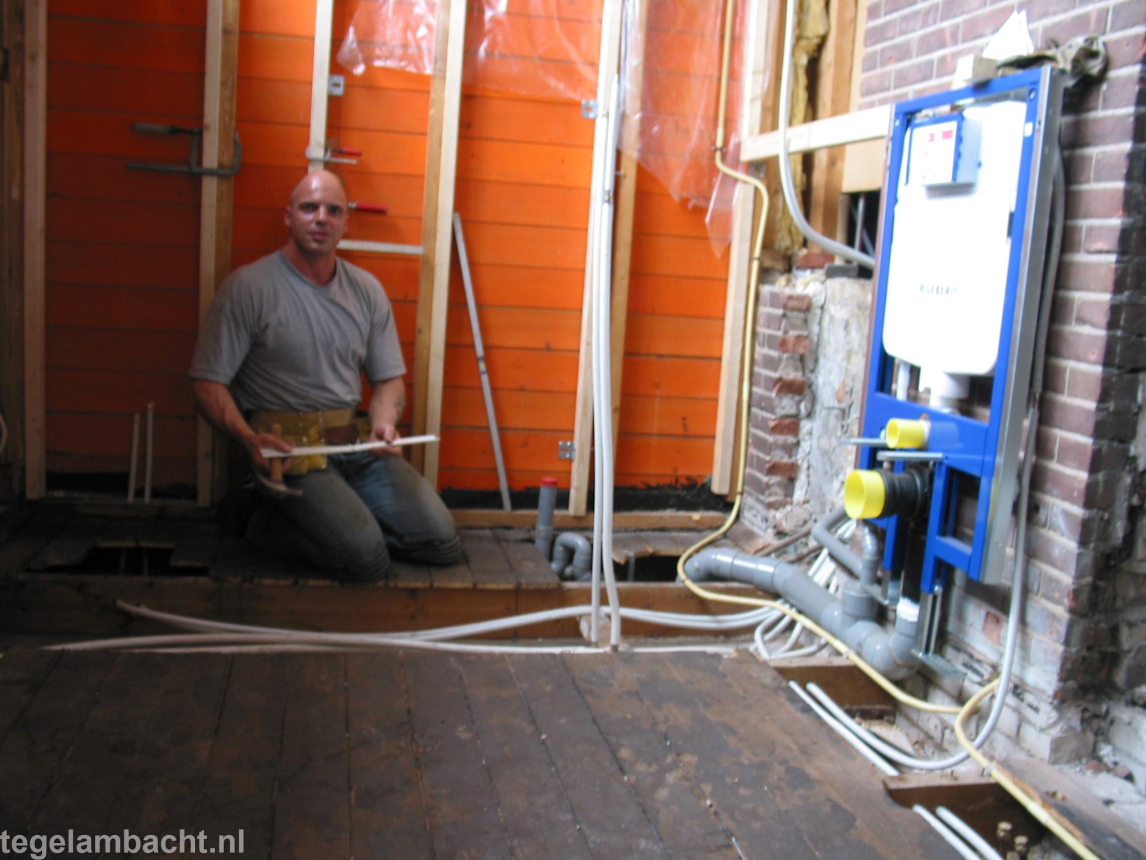 Uurtarief Badkamer Installateur : Badkamer verbouwen harderwijk tegel ambacht helpt u vakkundig