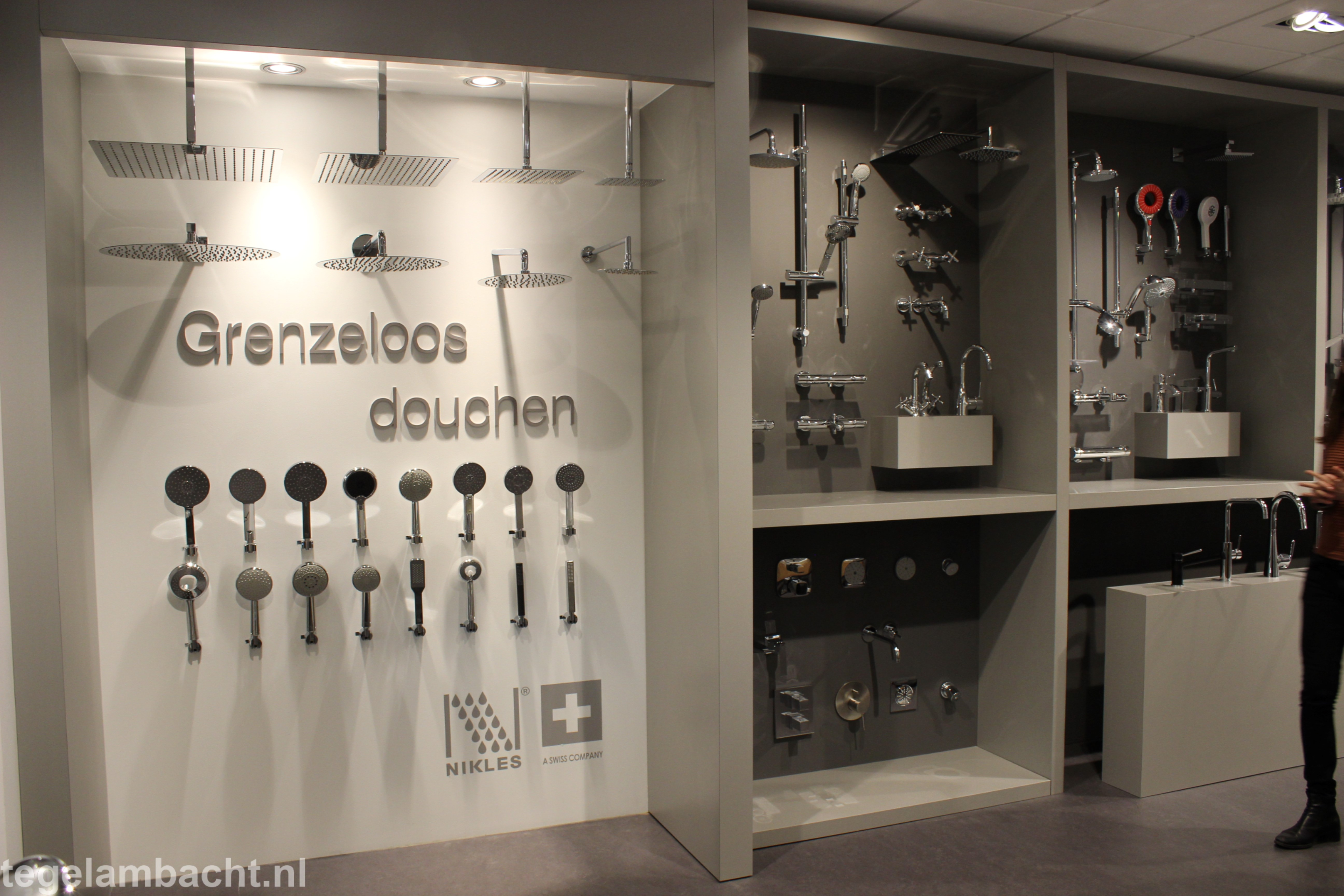 Showroom Badkamer Meubels : Showrooms tegel ambacht